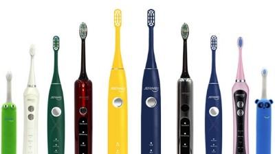 使用电动牙刷时牙膏为什么会飞溅?如何正确使用?